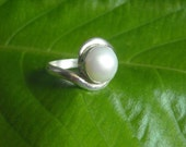 Silver pearl ring - Promise ring - Wedding ring - Bridal ring - Bridal jewelry - Bezel ring - Birthstone ring - Gift for her