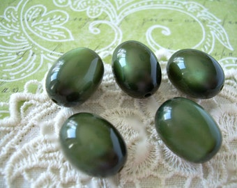 Rich Olivine Green Vintage Moonglow Lucite Beads 5 Ovals