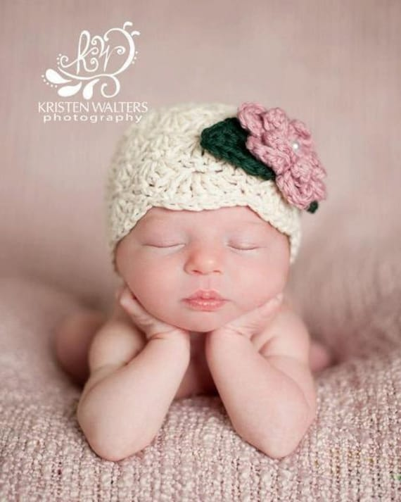 Off White Flapper Style Newborn Baby Girl Beanie, Ecru Crocheted Newborn Photo Prop baby Hat