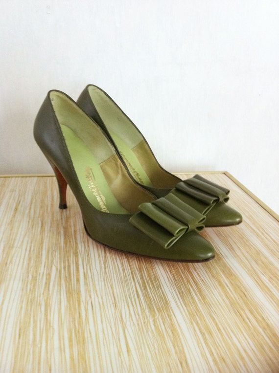 Vintage 1960s Green O Connor and Goldberg High Heel Shoes