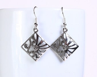 Antique silver tone square drop dangle earrings (561) - Flat rate shipping