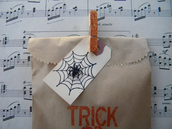 Halloween Treat Bag - Kraft with glitter clothespin and tag ... set of 6