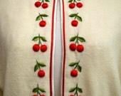 Vintage 50s Sweater // 1950s Ivory Sweater with 3D Cherries & Stems // Cherries and Cream B40 plus - VintageDevotion