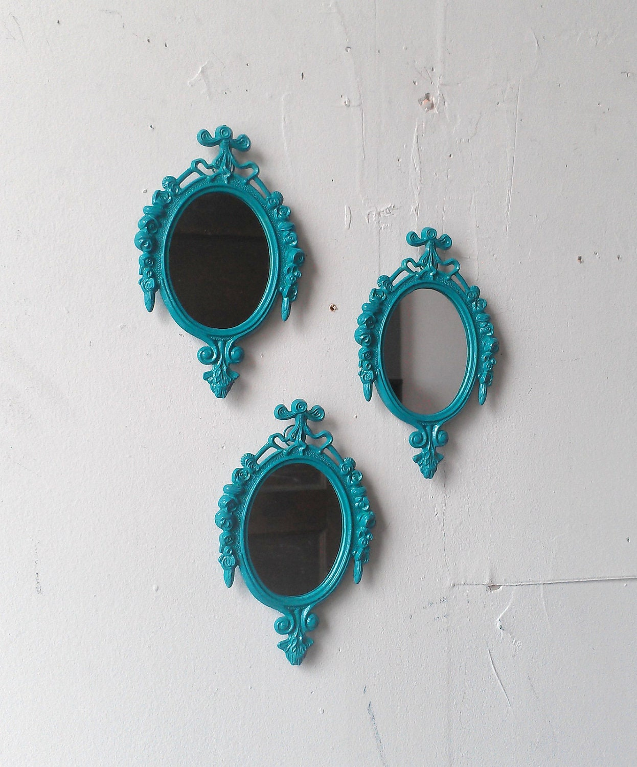 turquoise mirror set of three in small vintage brass italy. Black Bedroom Furniture Sets. Home Design Ideas