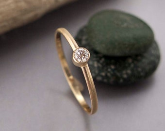 Diamond and Gold Thin Engagement Ring, solid 14k yellow gold - 2.5mm stone