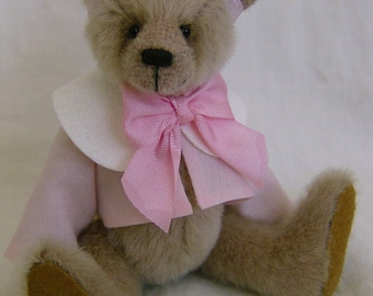 Caroline Miniature Teddy Bear e-pattern