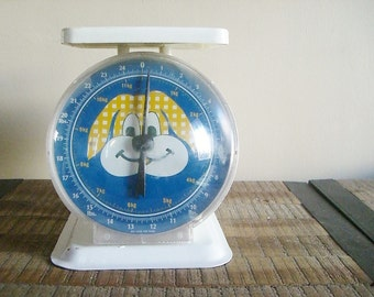 Vintage Baby Scale with Whimsical Blue Polka Dotted Puppy Face