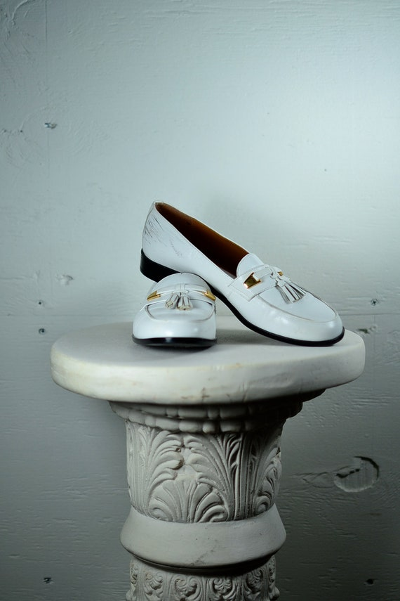 Vintage White Etienne Aigner Leather Loafers // 7