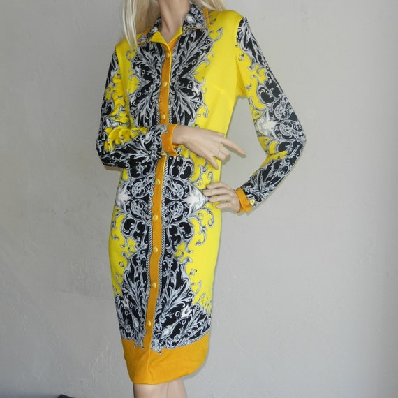 Vintage 60s 70s Designer Mr. Dino Regal Yellow & Black Print Jersey Knit Slinky Dress