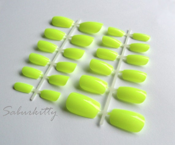 Neon Yellow Nail Art fashion hand painted fake artificial dayglo fingernails bright nails vibrant nail paints fluorescence