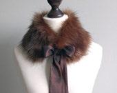 Brown faux fur collar with taffeta ribbon