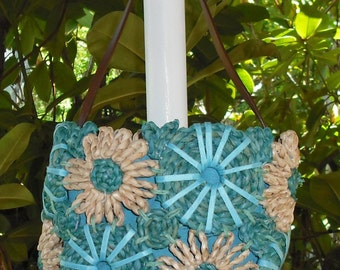 Vintage Straw Purse Bag Turquoise Blue Natural Flowers Daisies Circles Leather Handle Fabric Lined Women Fashion Retro Raffia