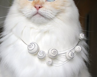 Spirally Haze Cat Hair Necklace