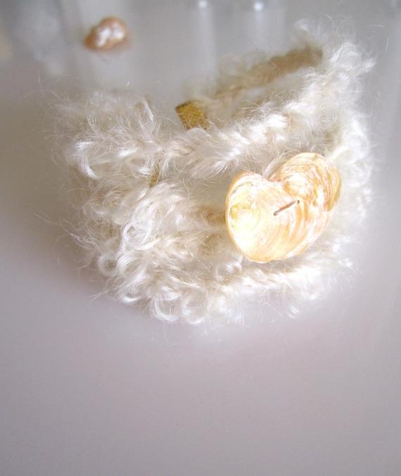 White Mohair Yarn Bracelet - Braided Bracelet - Peach Heart Shaped Seashell - Heart Jewelry