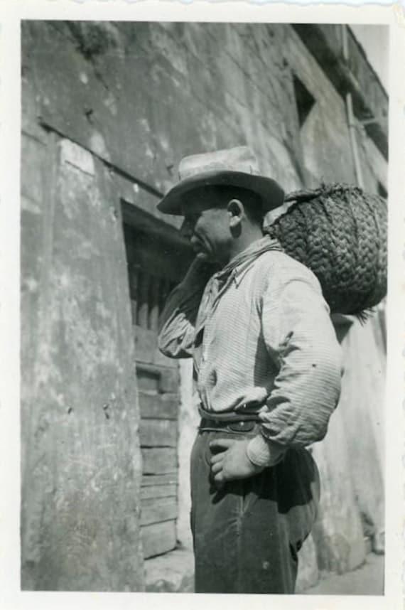 "Vintage Photo ""Market Man"", Photography, Paper Ephemera, Antique, Snapshot, Old Photo, Collectibles - 0015"