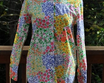 Vintage Women's Blouse Floral Print Size Petite Small Long Sleeved Shirt