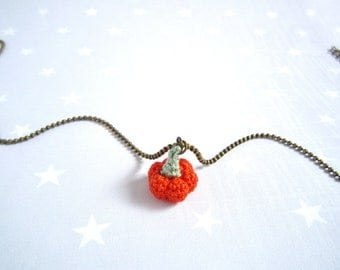 Necklace tiny knit orange pumpkin. Crochet necklace