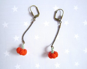 Earrings tiny knit orange pumpkin.