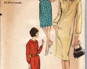 1960s Misses Sheath Dress  Vogue 5949  Size 12  Bust 32