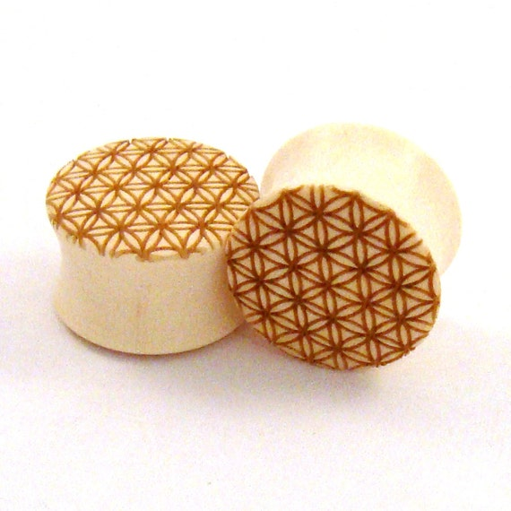 """Sacred Geometry Holly Wooden Plugs - 0g (8mm) 00g (9mm) 7/16"""" (11mm) 1/2"""" (13mm) 9/16"""" (14mm) 5/8"""" (16mm) 3/4"""" (19mm) Flower of Life Gauges"""