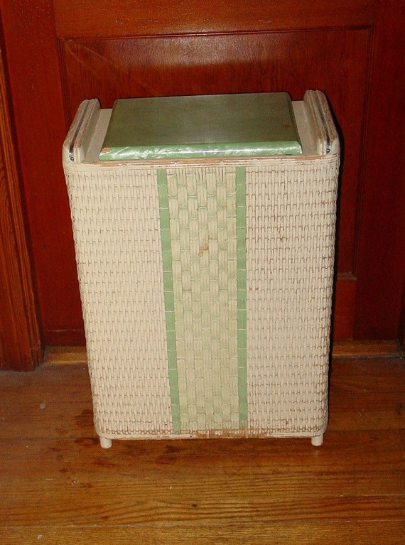 Vintage Wicker Hamper With Marblized Lid Green And White