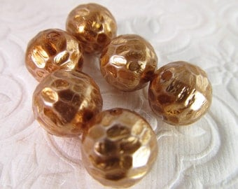 16 Vintage 12mm Round Matte Antiqued Gold Hammered Lucite Beads Bd279