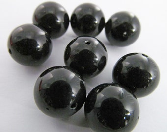 30 Vintage 10mm Black Round Lucite Beads Bd1148