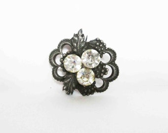 Beautiful VINTAGE BROOCH. Use it for assemblage, mixed media or wear it.