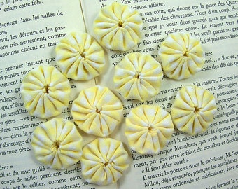 Yellow gingham yoyos 10 pcs cotton Suffolk Puffs applique embellishments.
