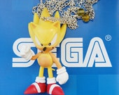 Super Sonic (Sonic The Hedgehog) long silver necklace with yellow crystal clasp detail