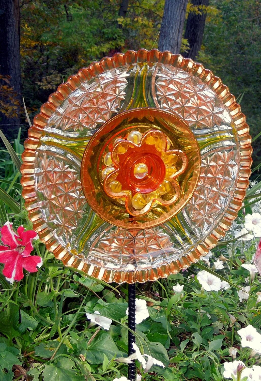 Art Garden: Garden Art Sun Catcher Glass Plate Flower Garden Sculpture