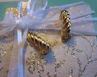 David Grau Gold Tone Vintage Clip On  Earrings
