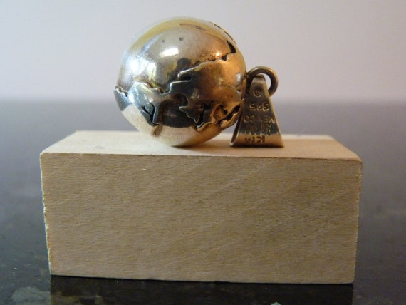 FALL SALE Vintage Silver Musical Planet Earth Sphere Pendant
