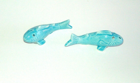 Vintage fish salt and pepper shakers turquoise by for Fish salt and pepper shakers