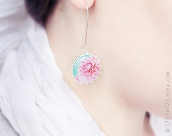 Pastel pink flower earrings