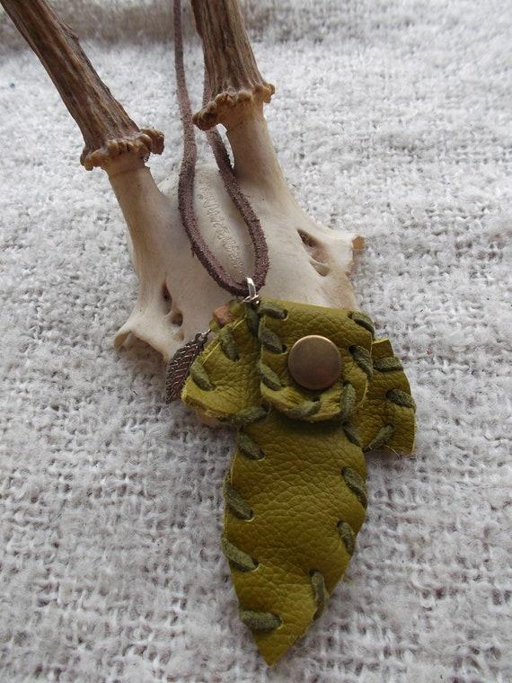 Green Pixie leaf bag. Leather small mini medicine  bag purse necklace. Beads, stone & leaf charm. Woodland hippie wicca pagan tribal boho