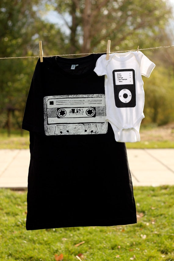 Daddy and Me Cassette and Ipod Shirt Set