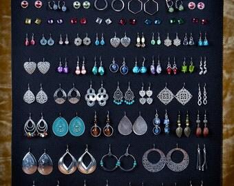 Hanging earring organizer