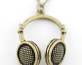 CUTE Simple Gold-tone Headphone Pendant Necklace