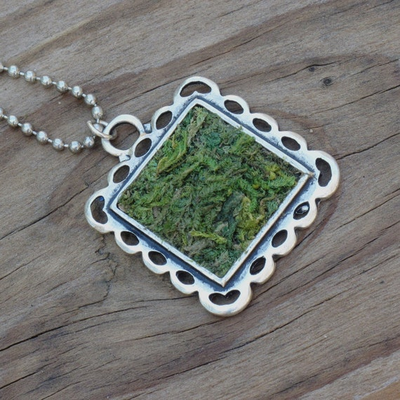 Moss Necklace, Terrarium Necklace, Terrarium Jewelry, Eco Friendly, Earth Day, Gardener Naturalist, Living Plant Jewelry