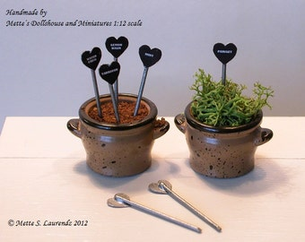 Dollhouse Garden Plant Tags 1:12 - 'Black Enamel & Zinc - Heart Shaped'  - 7 different herbs - ENGLISH TEXT (PT5)