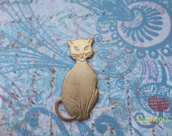 1 Vintage Brass Sitting Pretty Kitty Stamping