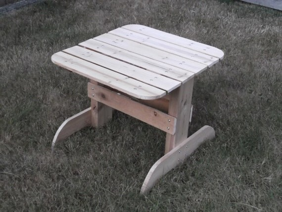 Take 50% off - Pallet Furniture, handmade - Side Table - Indoor/Outdoor - Use HALFOFF in the coupon code