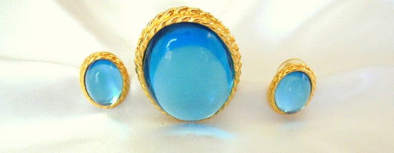 Vintage Parklane Brooch and Earring Set in Sea Blue and Gold