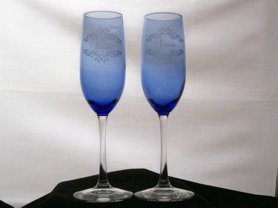 Wedding Bride and Groom Etched Cobalt Blue Champagne Flutes, Wedding gift, Bridal Gift