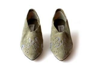 Green Vintage Heels Women's Suede Shoes Size 6