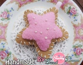 Felt star cookie Magnets/refrigerator magnets/ christmas ornament/ wedding or shower favor / Felt Toy/Home decor, Handmade