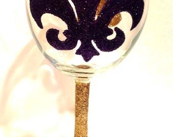 Glitter wine glass Fleur de lis