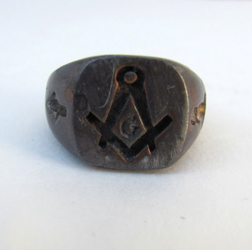 sale antique masonic ring size 8 75 8 3 4 fraternal square