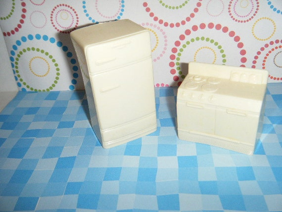 Vintage Marx Plastic Dollhouse Furniture Off White Kitchen Set Refridgerator & Stove